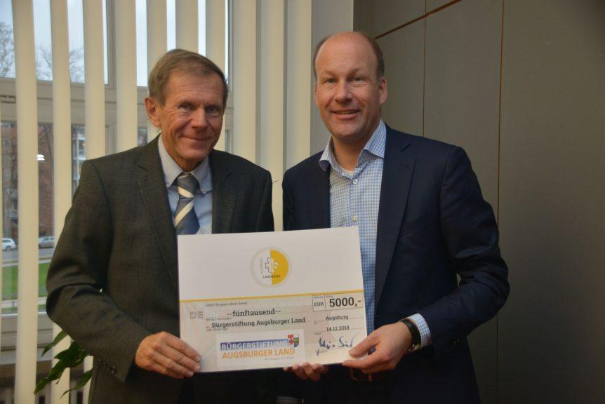 Spendenübergabe Dr. Idzko, Landrat Martin Sailer